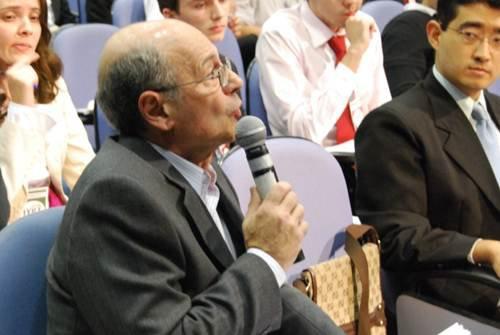 Professor NIcolau Gilberto Ferraro no júri da final do IYPT Brasil 2011.